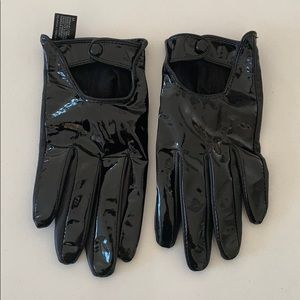 Club Monaco Driving gloves in Patent leather